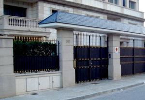 Puertas comunidades Mafercat